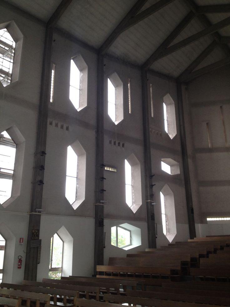 Chiesa di Santa Maria Annunciata presso Ospedale San Carlo Borromeo - Milano Architetto Gio Ponti