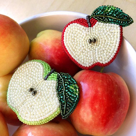 Половинки яблок