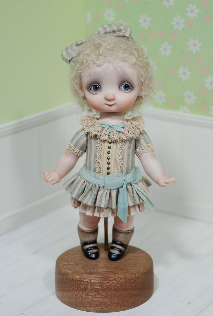 1000euro + shipping Porcelan doll by Ana Salvador