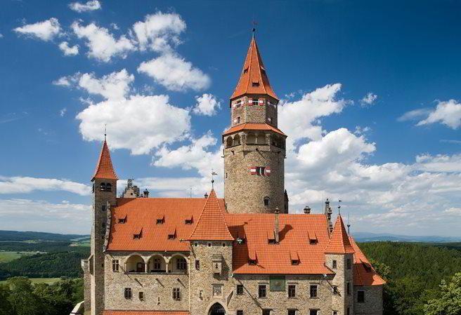 Romantický hrad Bouzov - hradní skvost střední Moravy