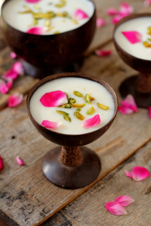 Phirni recipe is a traditional Indian rice pudding that is prepared with full cream milk, paste of soaked raw rice, sugar and cardamom