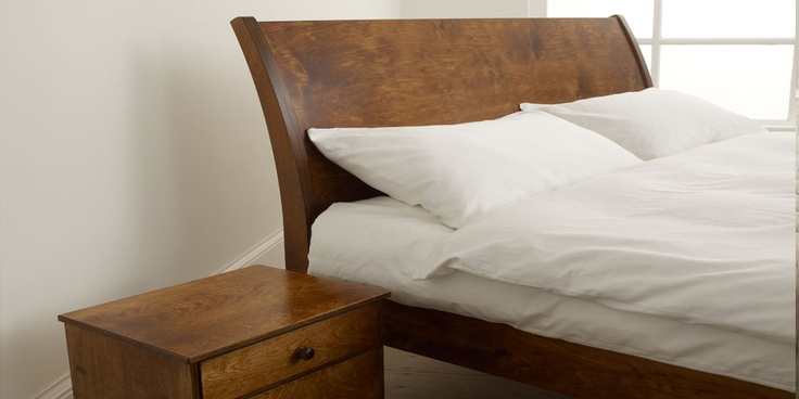 Verona bed and Modern bedside cabinet. You can really see the lovely curve of the headboard here, sleek and smooth.