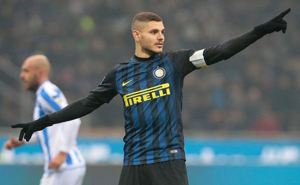 Mauro Icardi of FC Internazionale Milano gestures during the Serie A match between FC Internazionale and Pescara Calcio at Stadio Giuseppe Meazza on January 28, 2017 in Milan, Italy.