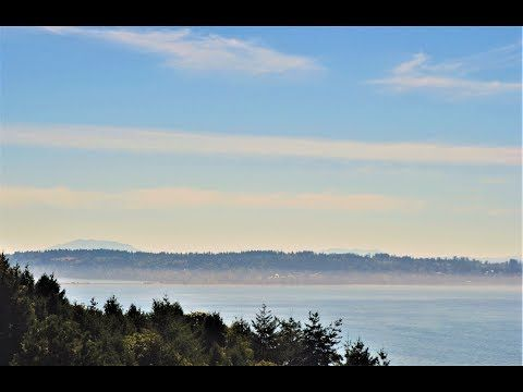 DRONE TOUR: Fantastic Over Sized Penthouse Condo with Ocean Views in White Rock - Westport Properties Group
