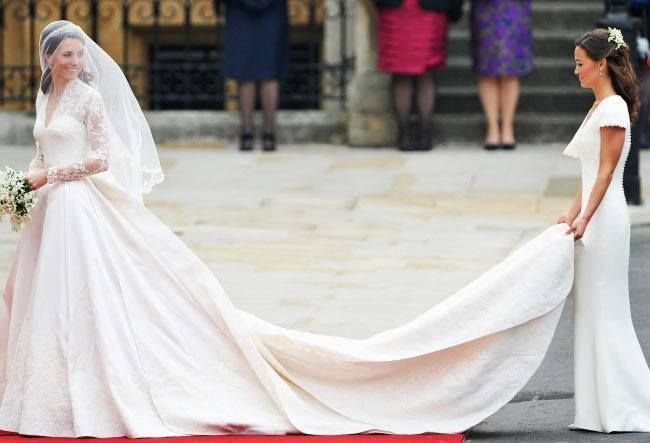 kate middletons expensive wedding dress cost 400 000 the