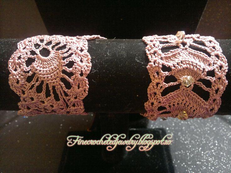 crochet lace bracelet with crystals www.finecrochetedjewelry.blogspot.ro