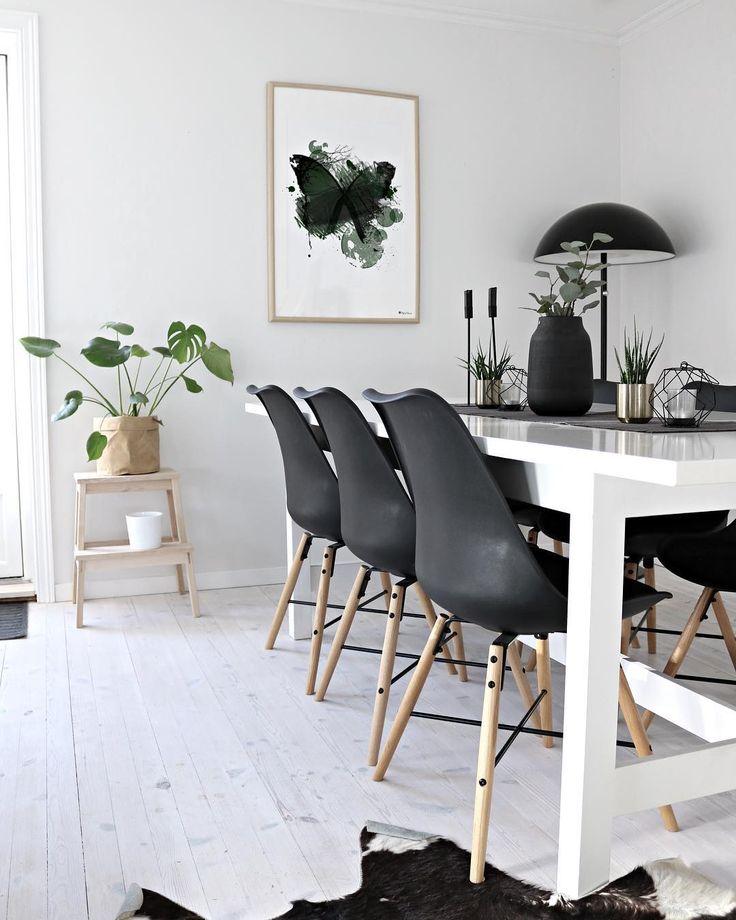 New poster! Green Butterfly💚 _ #poster #wallart #greenartwork #butterfly #artprint #interior #livingroom #livingroominspo #nordicliving #nordiclivingroom #diningroom #scandinavianinterior #scandinavianhome #mynordicroom #hem_inspiration #whiteliving