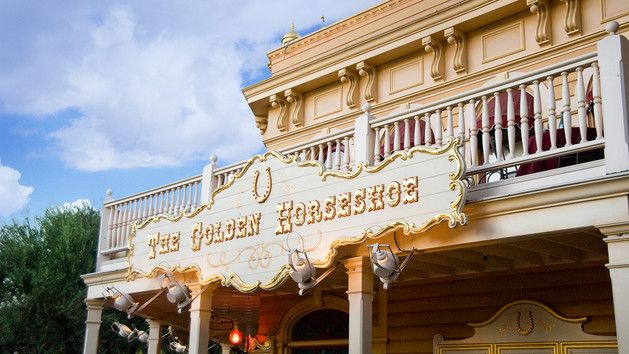 The Golden Horseshoe - Lunch idea -  great place to avoid the sun and enjoy one of the most entertaining shows on property, Billy Hill and the Hillbilles. Go a bit earlier than the scheduled showtime to get good seats.
