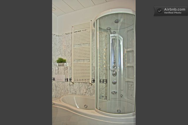 bagno - bath/ shower hydromassage