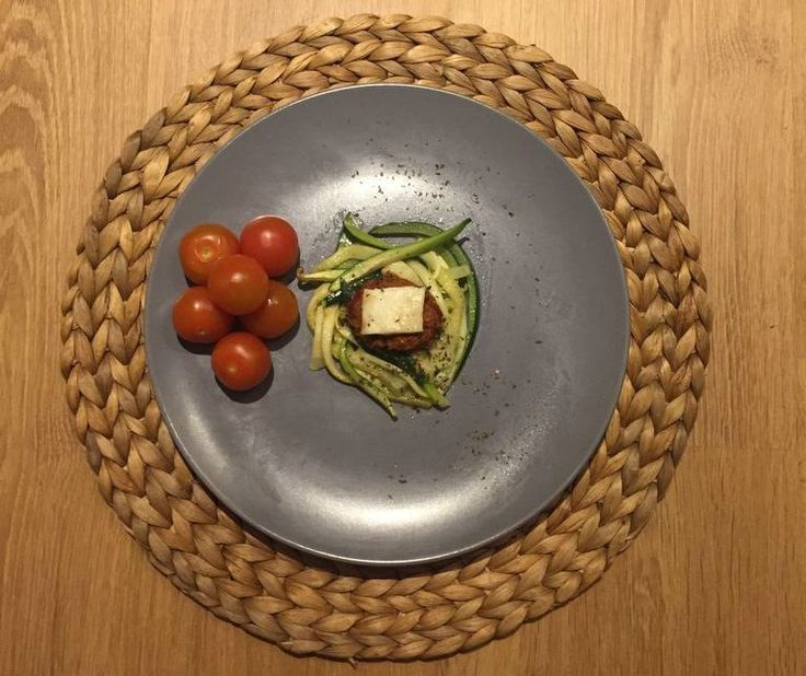 Dagen Zonder Vlees: Metro test Courgetti met berloumi   Metro