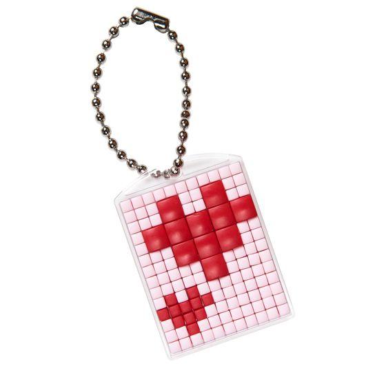 #pixelhobby #medaillon #sleutelhanger #creatief #ideeen #inspiratie #pixelen #doe-het-zelf #liefde