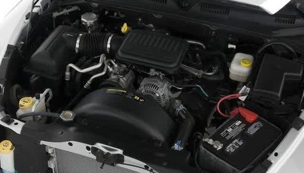 2016 Dodge Dakota - engine