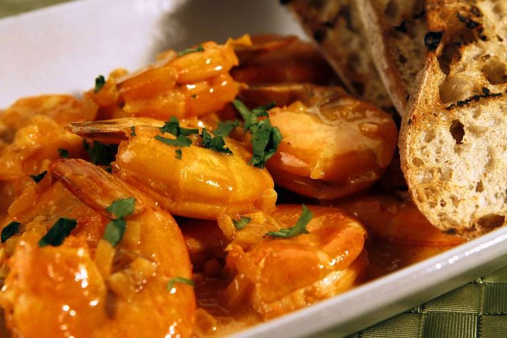 Make this Spanish shrimp dish for dinner tonight – LA Times