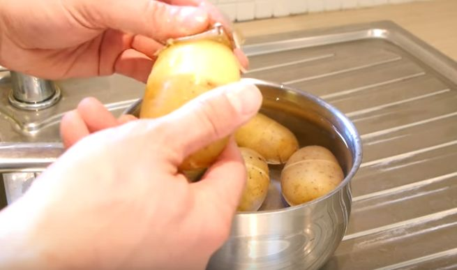 Here's The Fastest Way To Peel Potatoes