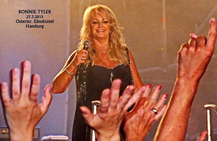 Bonnie Tyler in Hamburg, 27/07/2013 (by Michael Nürnberg) #bonnietyler #thequeenbonnietyler #therockingqueen #rockingqueen #music #rock #2013 #germany #hamburg #concert