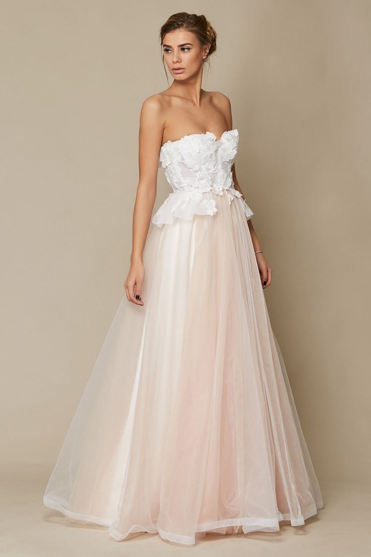 Rochie Lydia Oana Nutu Fashion Designer Wedding Dress Wedding Gown www.OanaNutu.com #fashion #style #shopping #oananutu #Bridal #BridalDress #WeddingDress #Bride #FashionDesigner #Wedding