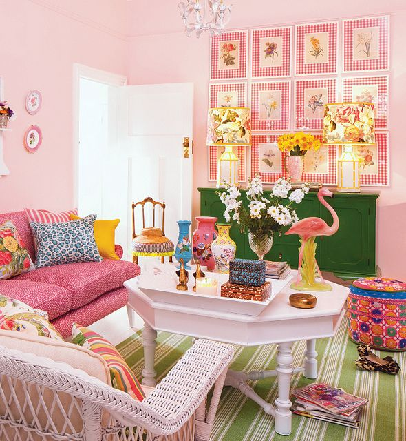Palm Beach inspiration: Dreams Home, Living Rooms, Pink Flamingos, Ladies Rooms, Pink Rooms, Interiors Design, Happy Color, House, Green Rooms