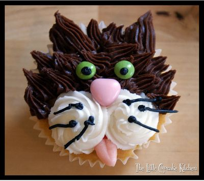 Cat Cupcakes  Too cute!