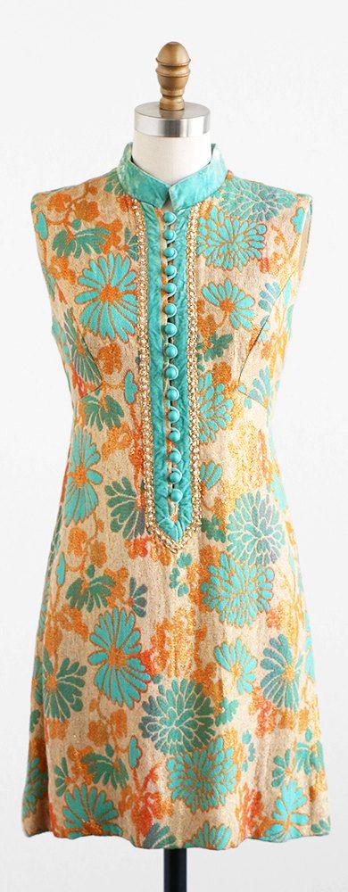 vintage 1960s dress / mod shift dress / 60s Gold by RococoVintage
