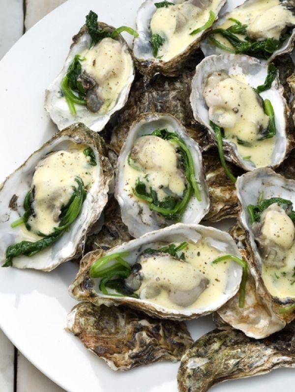 Je houdt ervan of je houdt er niet van: oesters. Probeer ze eens op een andere manier te bereiden dan - hop - zo uit de schelp. Vandaag in Today's sp...