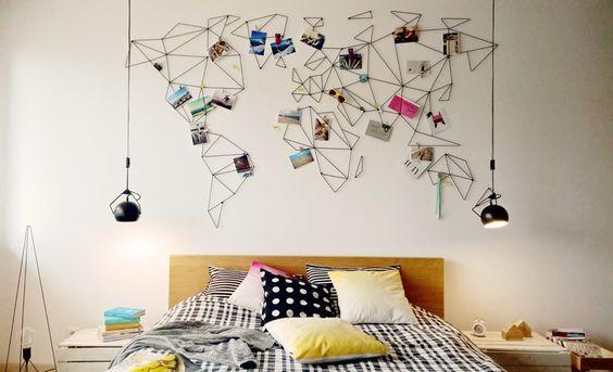 deco avec des photos idée et inspiration souvenir de vacances globe trotter mapmonde carte du monde en fer epingler ses photos de voyages au mur diy deco