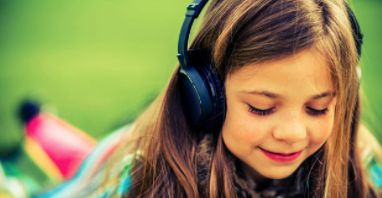 UNDERSTANDING and INSTRUCTION - This article describes the importance of using audio books to enhance students' fluency and oral development. There are many considerations that are examined when selecting audio books. This article also provides strategies on how to enhance learning when using audio books with children. Through this type of media, children are exposed to different types of expression and can practice reading along.