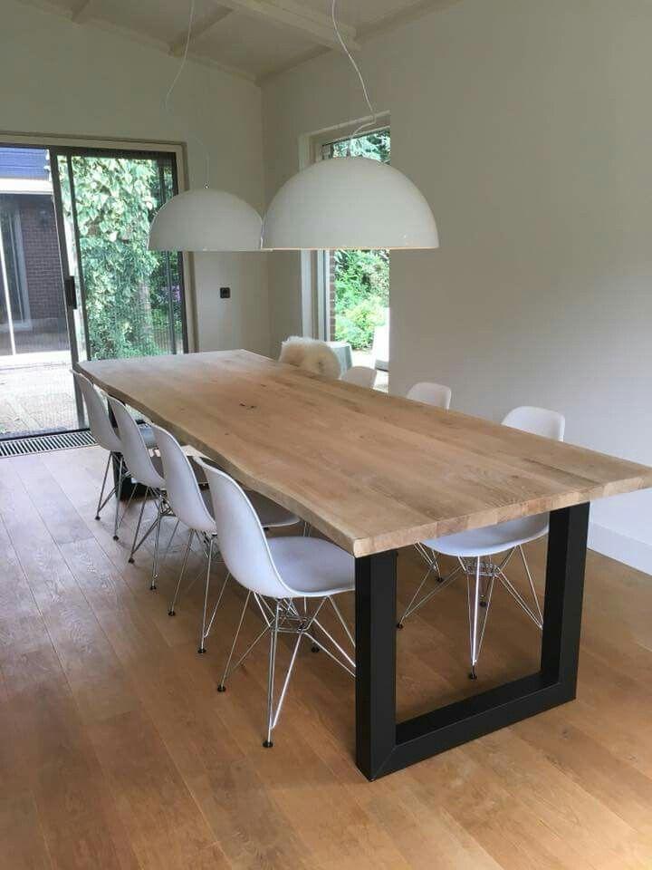 Grande Table Avec Plateau En Bois Et Pied Fer Plat Noir