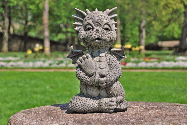 Gartenfigur Gartendrache Modell Macht Yoga Fantasy Figur Deko Drache Garten In 2020 Gartenfiguren Fantasy Figuren Figur