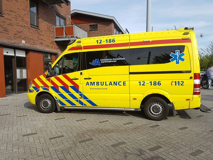 Op de N34 bij Borger is vanmorgen rond kwart over tien een ongeluk gebeurt. Er zijn een auto en een vrachtwagen op elkaar gebotst. De bestuurder van de personenwagen raakte bij het ongeval zwaargewond. De weg is bij Borger afgesloten voor het verkeer. Meer is op dit moment nog niet bekend.  Lees verder op onze website.