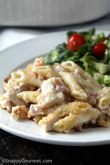 Chicken Cordon Bleu Pasta Casserole Recipe - an easy baked pasta casserole that is family friendly and freezer friendly meal!