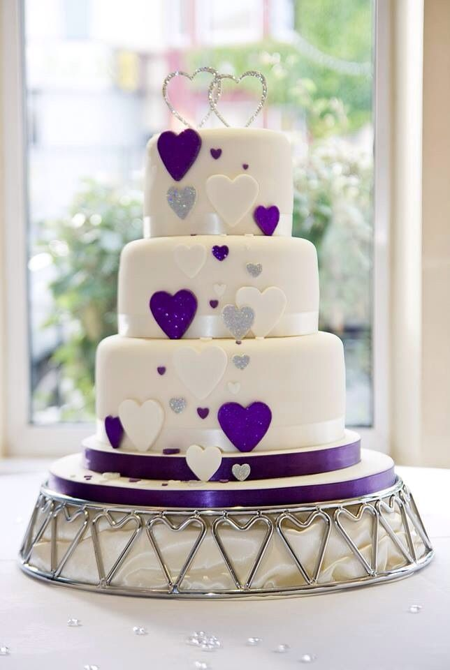 heart wedding cakes purple hearts wedding cake when i grow up 15179