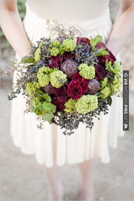 artichoke wedding bouquet  | for more ideas: http://theproposalwedding.blogspot.it/2013/10/grigio-blu-rosso-e-carciofi.html Fall flowers