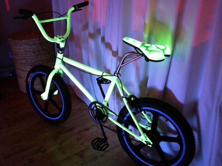 Светящийся велосипед. Светящаяся краска по металлу Acmelight Metal. *** A glowing bicycle. Luminous paint for metal Acmelight Metal.  #glow #bicycle #luminous #paint #metal