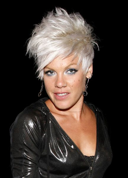 haircut places open late on sunday 25 best ideas about singer pink hairstyles on 2958 | 4b880f7ae27bd019d1915c3a20e973b9