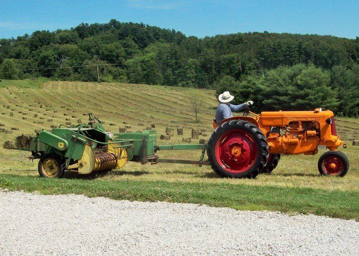 Antique Tractors In Ohio : Minneapolis moline rtu tractor baling hay in ohio