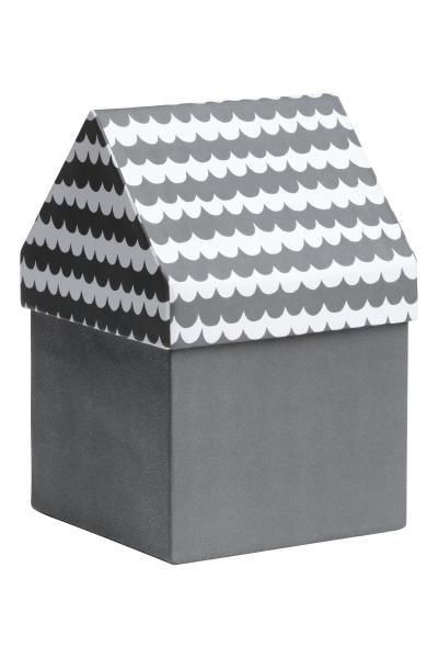 Cardboard storage box with a patterned lid in the shape of a house roof. Size 11.5x11.5x17.5 cm.