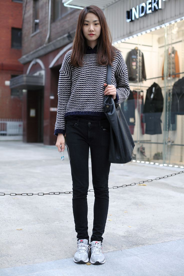 how to wear high top sneakers with skinny jeans