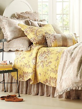 Bella Bedding ~ this would be perfect in my bedroom with pale yellow walls~