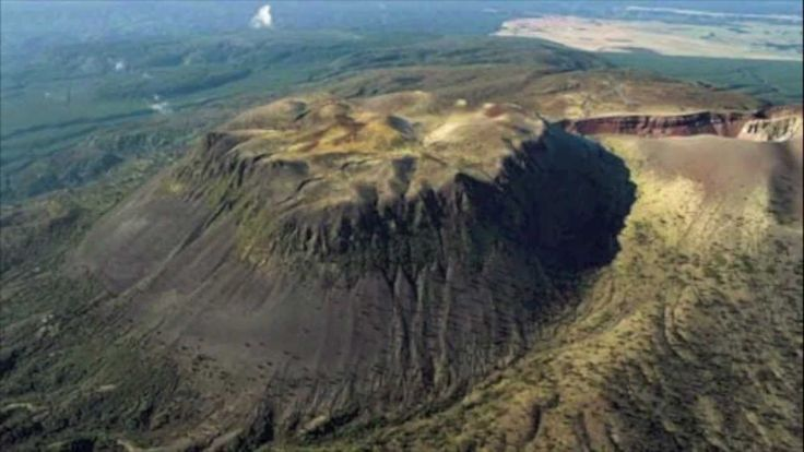 Trip up Mount Tarawera (+playlist)