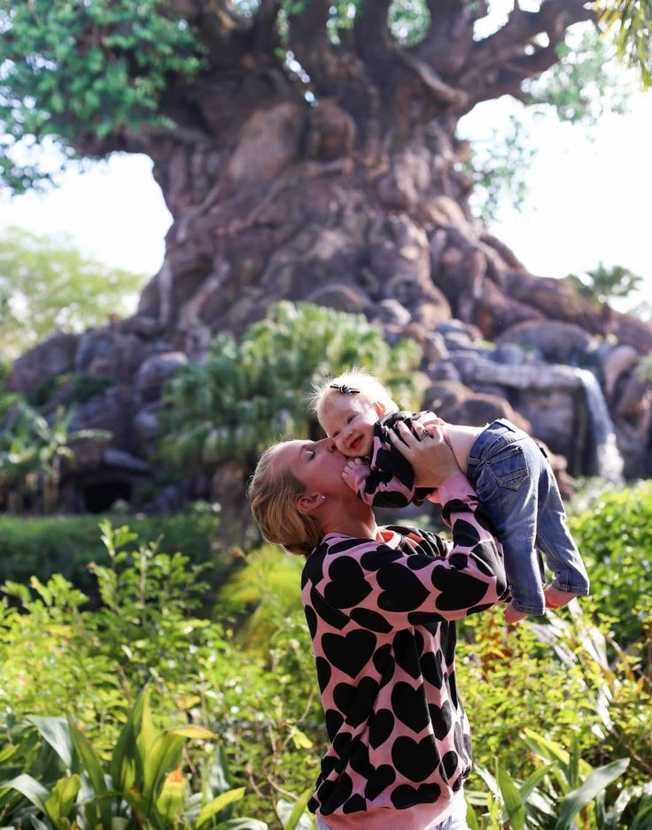 4 Holiday Attractions in Orlando Atlanta lifestyle blogger Happily Hughes shares 4 Holiday Attractions in Orlando that you must visit with your family. Click here for all the info!