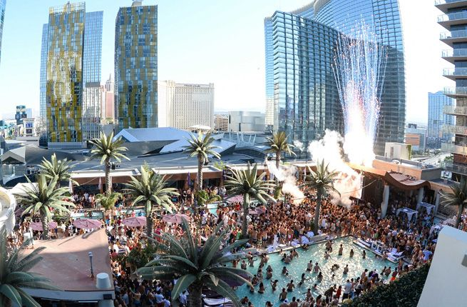Top 10 Vegas Hotel Pools