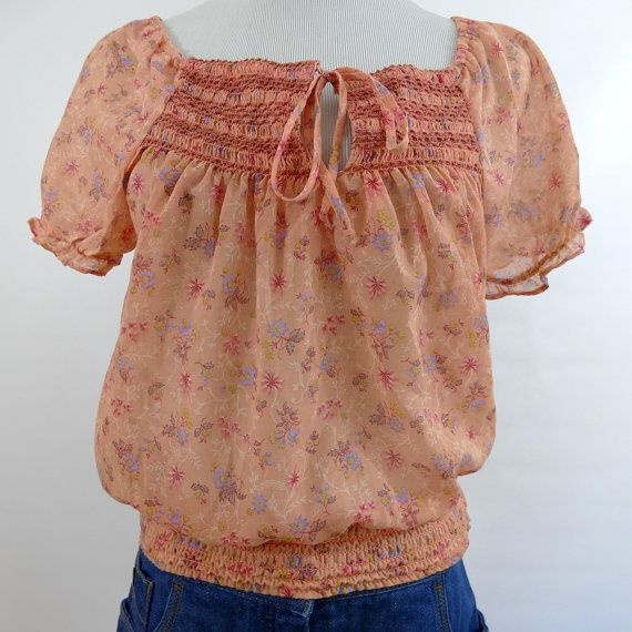 1970s Short Sleeve Floral Smocked Peasant Top - Peach - M