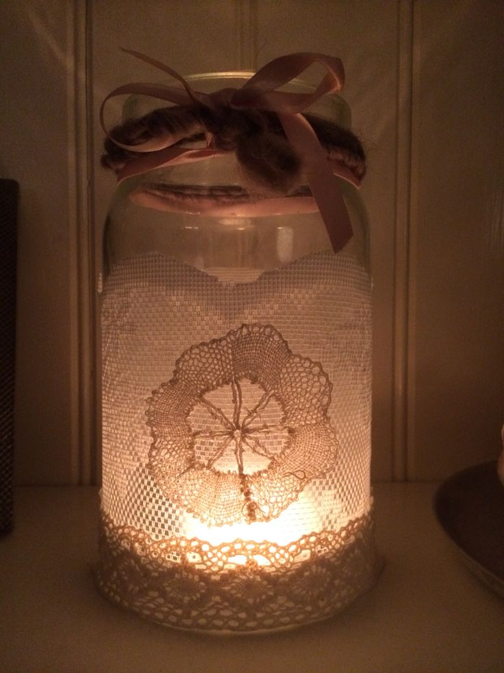 Made this in 15 minutes! from a storage glass and lace alvine spets from Ikea. Finish with vintage lace and you're done! Windlicht vintage romantisch kant.
