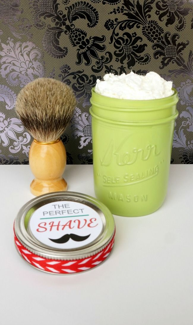 Give the gift of the perfect shave with this homemade shaving cream in a mason jar.