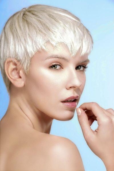 Frisuren Frauen Ohren Frei In 2020 Styling Kurzes Haar Kurze Blonde Frisuren Haar Styling