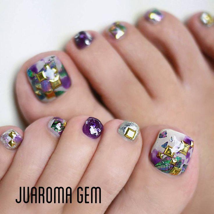 いいね!235件、コメント22件 ― つづみ【Juaroma-Gem】さん(@tsuzumi.gem)のInstagramアカウント: 「ワタシフット今年はギラつきます!  #nail #nailart #naildesign #gel #gelart #art #beautiful #vetro #nailswag…」