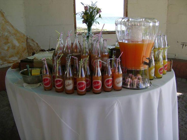 Vintage pastel colour weddding - Pre Drinks
