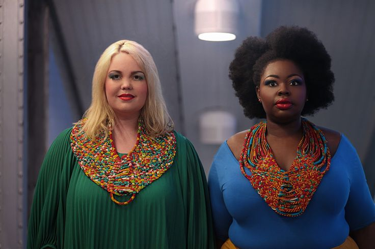 French Curves : statement necklace | The curvy and curly closet, blog mode ronde, fatshion, plus size