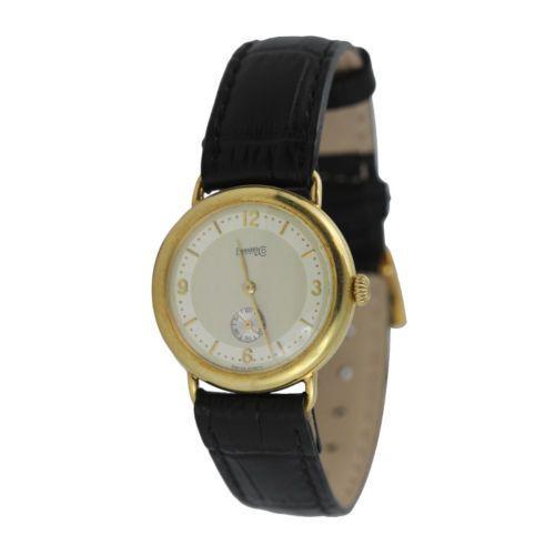 Eberhard Quartz - heren- / unisex horloge  Een mooie en zeldzame Eberhard horloge is zeer goede staat.Dit is een Vintage horloge zeer elegant.Kwarts Hoogwaardig Zwitsers uurkwerk ondertekend Eberhard 17 juwelen mooie kroon - het geval opent aan de ene kant tonen deze uitstekende beweging.Het glas heeft geen krassen. Sommige microscopisch kleine lichte vlekken/patina op de wijzerplaat maar nauwelijks merkbaar.De zaak is massief zilver en heeft een 20 micron goud plaat toegepast.Over de rug…