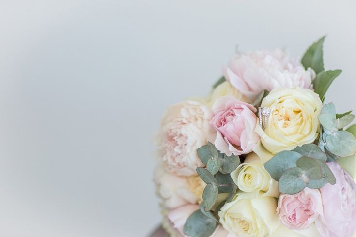 Pastel Wedding Flowers from Amelia & Sams wedding as feature on Real Wedding by @easyweddings | G&M DJs | Brisbane Weddings #gmdjs